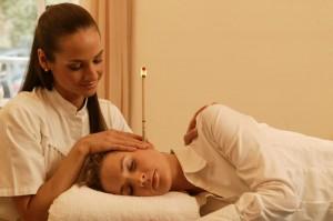 Terapi Telinga dengan Lilin